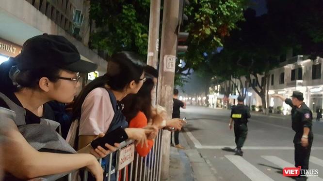 Chùm ảnh và video: An ninh được siết chặt quanh khách sạn Tổng thống Mỹ đang ở ảnh 3
