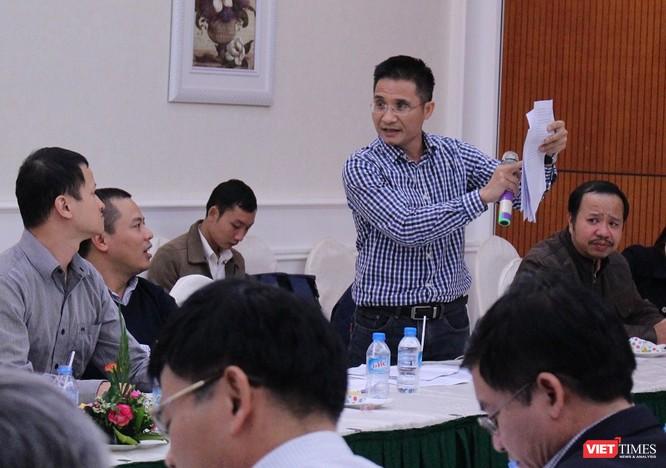 Ông Đinh Văn Hải -- Phó Chủ tịch Hội Truyền thông số Việt Nam trao đổi tại Toạ đàm. Ảnh: Bùi Phú