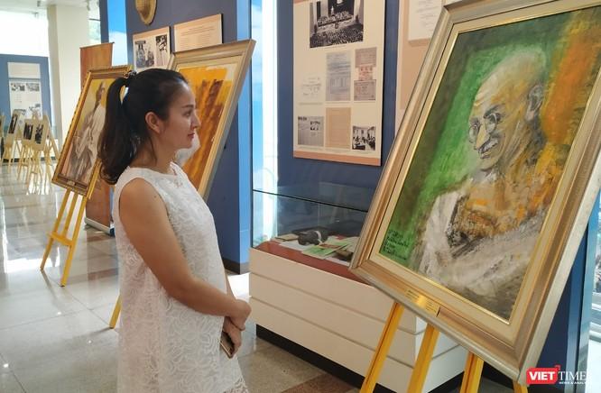 """Lãnh tụ Ấn Độ Mahatma Gandhi """"lên tem"""" nhân kỉ niệm 150 năm ngày sinh ảnh 1"""