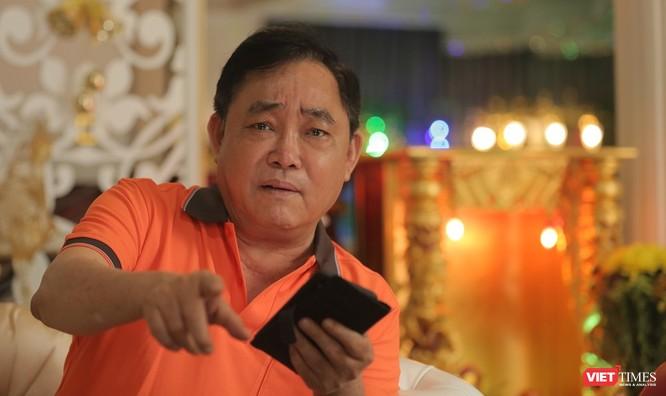 vt_Ông Huỳnh Uy Dũng với khoảnh khắc tràn đầy nhiệt huyết. Ảnh: An Tâm.