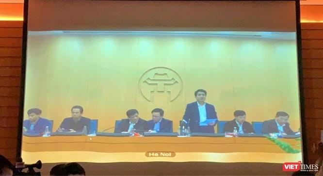 Ảnh chụp màn hình trực tuyến từ phòng họp tại trụ sở UBND TP. Hà Nội. Ảnh: Khôi Việt