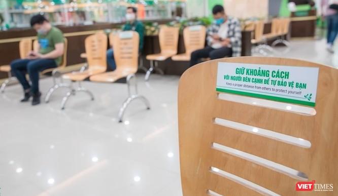 Các bệnh viện ở Hà Nội tăng cường phân luồng, khám bệnh online và điều trị tại nhà ảnh 2