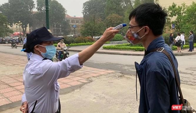Các bệnh viện ở Hà Nội tăng cường phân luồng, khám bệnh online và điều trị tại nhà ảnh 3