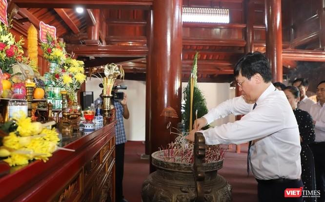 Lãnh đạo UBND tỉnh Nghệ An dâng hương tại Nghĩa trang liệt sĩ quốc tế Việt - Lào ảnh 2