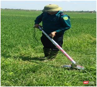 Chế tạo máy cắt cỏ thân thiện với môi trường nhờ kiến thức trên internet ảnh 1