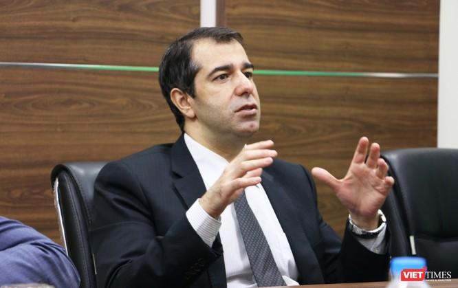 Đại sứ Azerbaijan thăm và làm việc với VietTimes ảnh 2