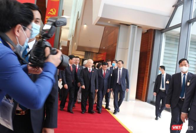 Chùm ảnh: Tổng Bí thư Nguyễn Phú Trọng chủ trì buổi họp báo đầu tiên của Đại hội Đảng khoá XIII ảnh 8