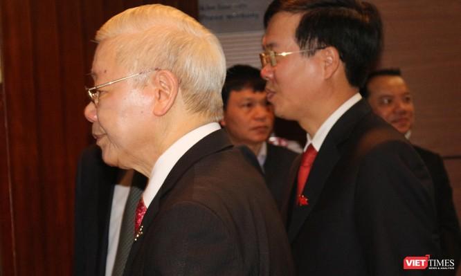 Chùm ảnh: Tổng Bí thư Nguyễn Phú Trọng chủ trì buổi họp báo đầu tiên của Đại hội Đảng khoá XIII ảnh 3