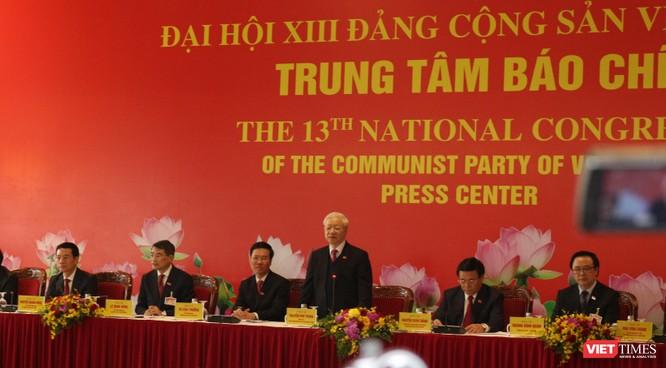 """Tổng Bí thư Nguyễn Phú Trọng: """"Ai cũng thích tiền nhưng danh dự mới là điều thiêng liêng"""" ảnh 1"""