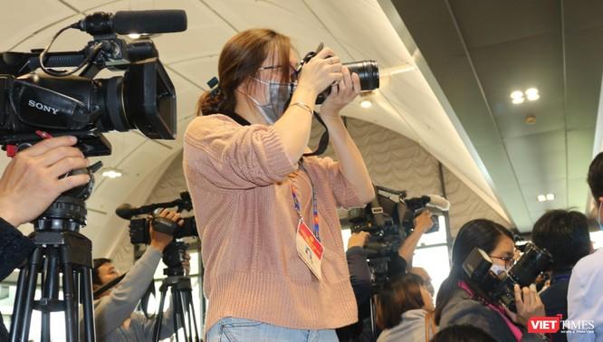 Chùm ảnh: Tổng Bí thư Nguyễn Phú Trọng chủ trì buổi họp báo đầu tiên của Đại hội Đảng khoá XIII ảnh 9