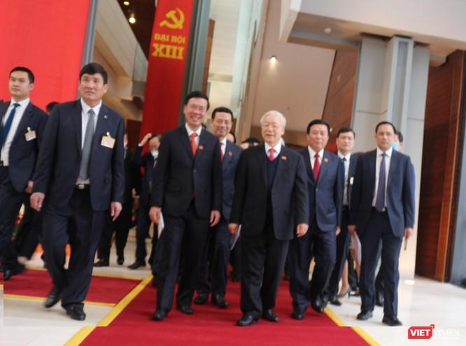 Chùm ảnh: Tổng Bí thư Nguyễn Phú Trọng chủ trì buổi họp báo đầu tiên của Đại hội Đảng khoá XIII ảnh 7
