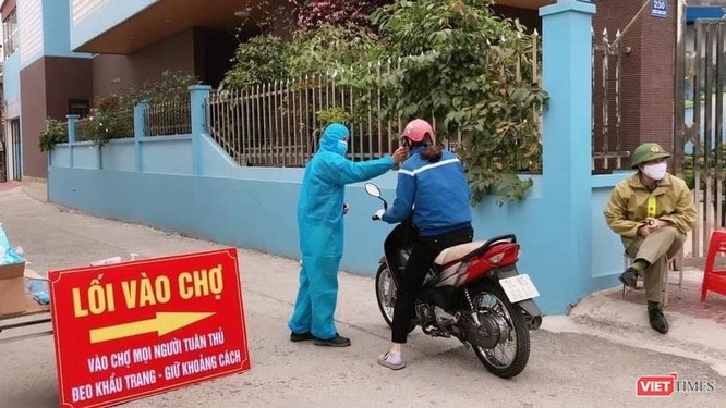 Hải Dương: Sống giữa tâm dịch, người dân Chí Linh bắt đầu đi chợ bằng phiếu ảnh 4