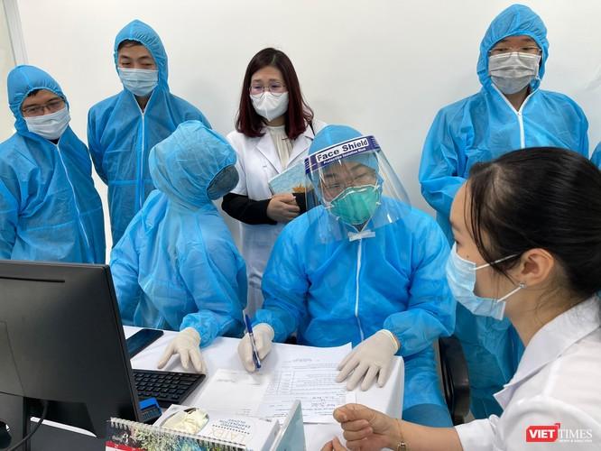 Video: Ghi nhanh trong ngày đầu tiên triển khai tiêm 117,6 ngàn liều vaccine COVID-19 ảnh 1