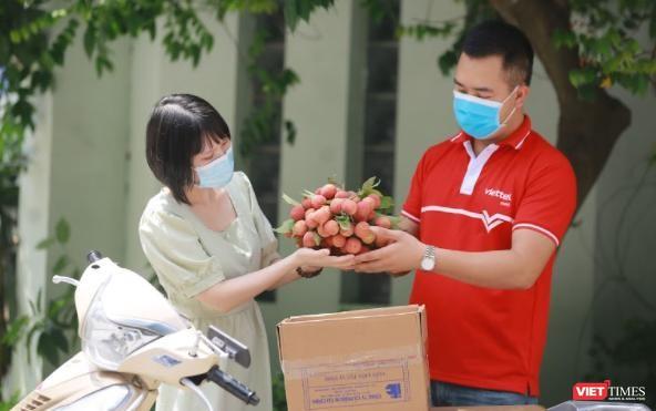 Ứng phó COVID-19, vải thiều Bắc Giang, xoài Sơn La lên sàn thương mại điện tử ảnh 1