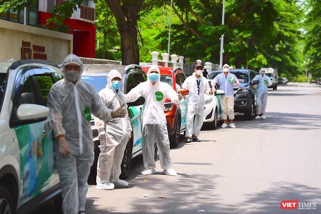 150 xe GrabCar, GoCar phục vụ lực lượng y tế tuyến đầu chống dịch COVID-19 ở TP.HCM ảnh 2