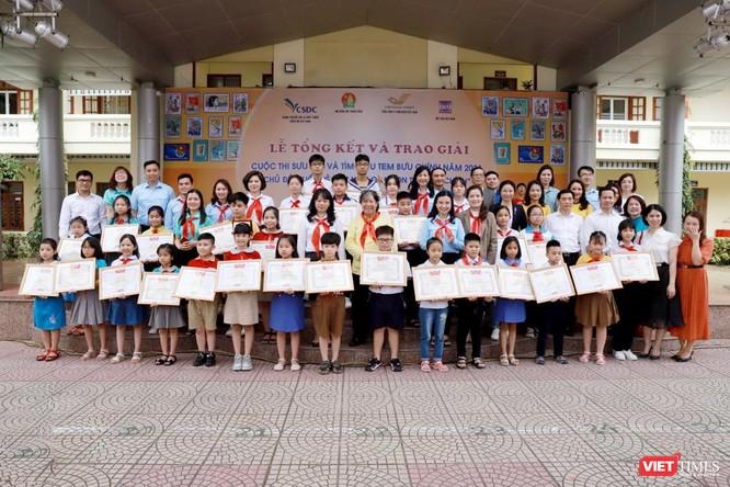 Vượt 1,2 triệu bài viết, học sinh lớp 4 giành giải đặc biệt cuộc thi sưu tầm tem ảnh 2