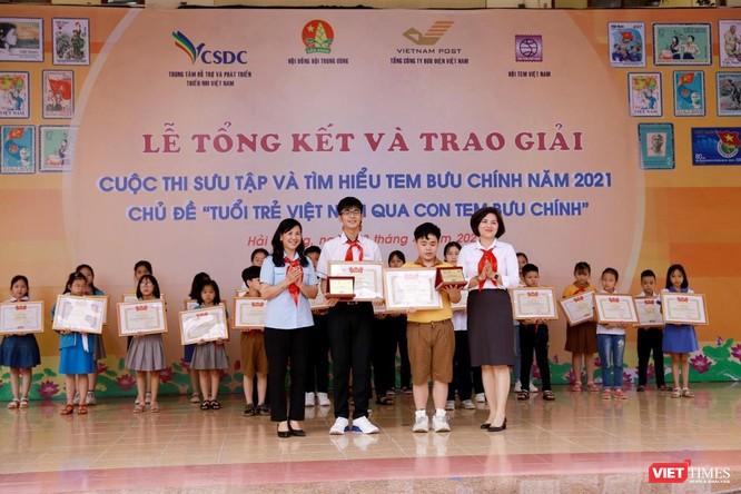 Vượt 1,2 triệu bài viết, học sinh lớp 4 giành giải đặc biệt cuộc thi sưu tầm tem ảnh 1