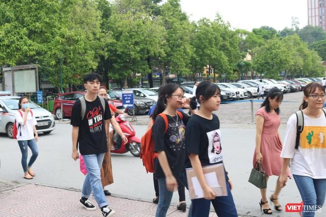 Hơn 1.000 tân sinh viên Trường Đại học Y Hà Nội nhập học ảnh 1