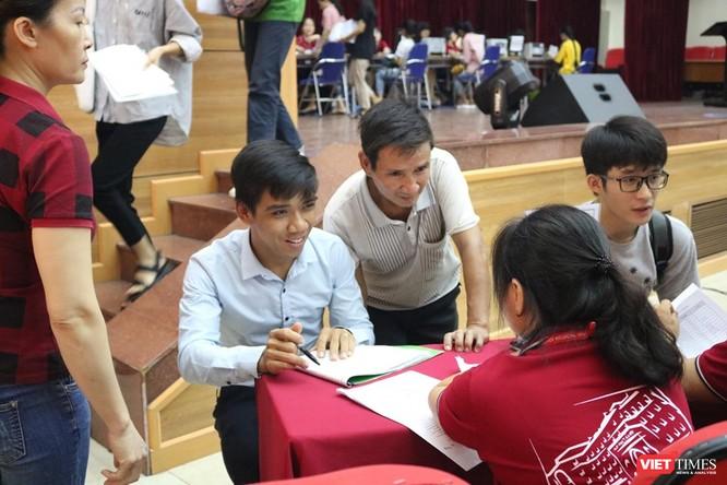 Hơn 1.000 tân sinh viên Trường Đại học Y Hà Nội nhập học ảnh 2