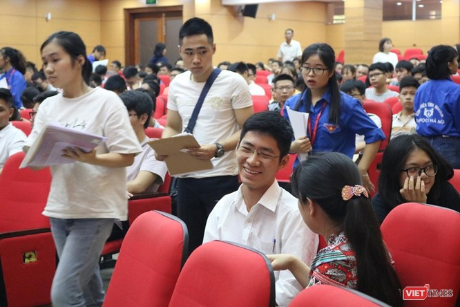 Hơn 1.000 tân sinh viên Trường Đại học Y Hà Nội nhập học ảnh 3
