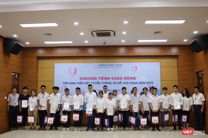 Lộ diện top 10 tân thủ khoa Trường Đại học Y Hà Nội ảnh 3