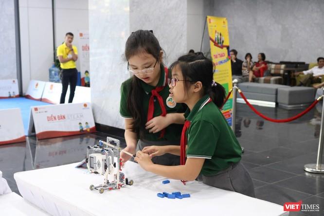 Thứ trưởng Bộ Giáo dục và Đào tạo Nguyễn Hữu Độ: STEAM giúp học sinh giải quyết các vấn đề trong thực tiễn cuộc sống ảnh 5
