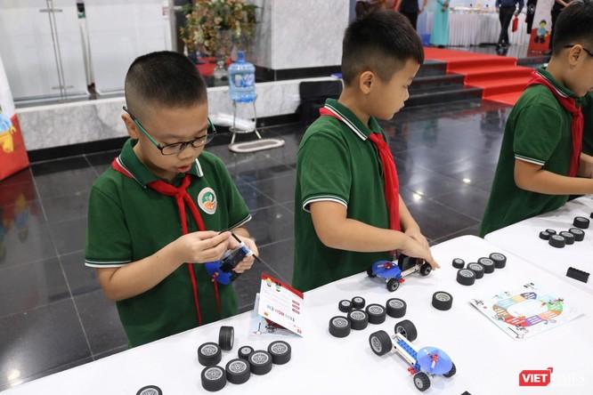 Thứ trưởng Bộ Giáo dục và Đào tạo Nguyễn Hữu Độ: STEAM giúp học sinh giải quyết các vấn đề trong thực tiễn cuộc sống ảnh 3