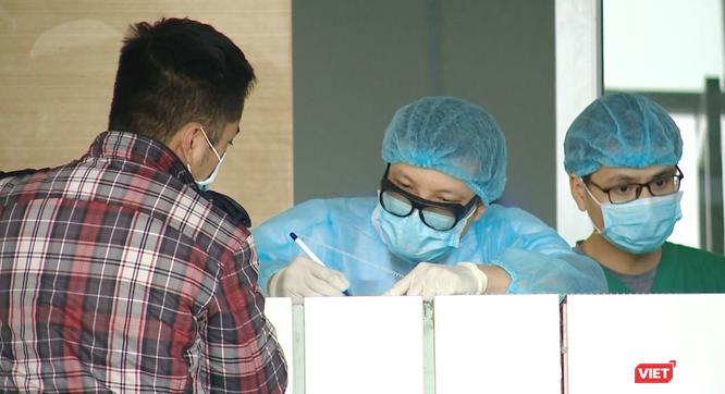 Có phải tất cả những người trở về từ Trung Quốc đều nhiễm virus Corona mới? ảnh 1