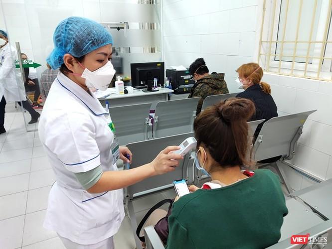 Bộ Y tế đang đánh giá báo cáo của Bệnh viện Bạch Mai về việc hàng trăm nhân viên y tế nghỉ việc ảnh 3
