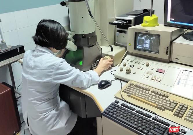 """Bài 1: BS. Vũ Quốc Đạt: """"Nga tiêm đại trà vaccine khi đang nghiên cứu là vi phạm về mặt đạo đức"""" ảnh 1"""