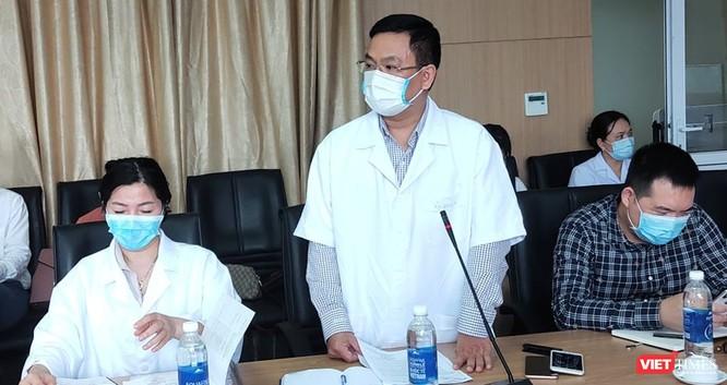 Bác sĩ đầu tiên bị nhiễm COVID-19, Bộ Y tế làm việc đột xuất với Bệnh viện ảnh 3