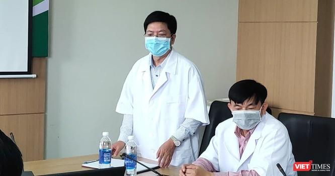 Bác sĩ đầu tiên bị nhiễm COVID-19, Bộ Y tế làm việc đột xuất với Bệnh viện ảnh 2