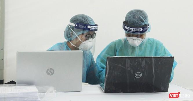 Test nhanh COVID-19 nhằm sàng lọc những người nghi ngờ nhiễm virus Corona kịp thời ảnh 1