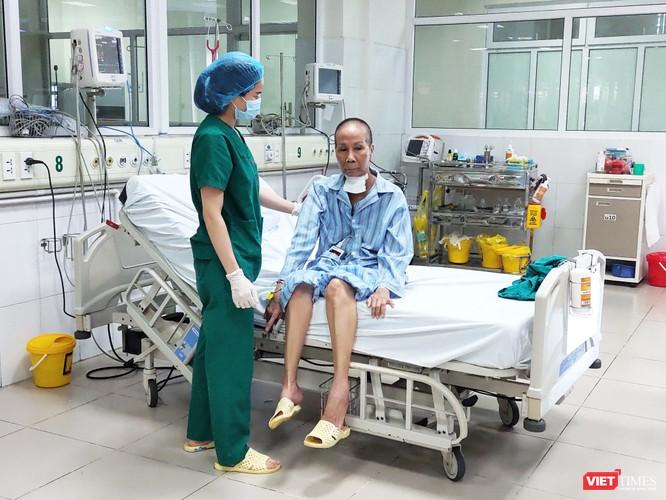 """Bác gái bệnh nhân 17 mắc COVID-19: """"Tôi không trách cháu mình"""" ảnh 1"""