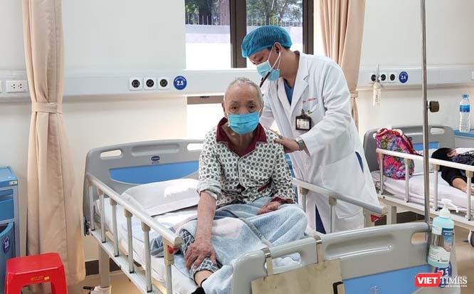 Thủ tướng Nguyễn Xuân Phúc: Người dân phải xếp hàng vì bệnh viện tuyến trên lúc nào cũng quá tải ảnh 6