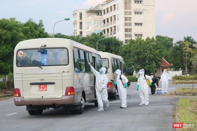 120 công dân Việt Nam mắc COVID-19 ở Guinea Xích Đạo đã về nước an toàn ảnh 4