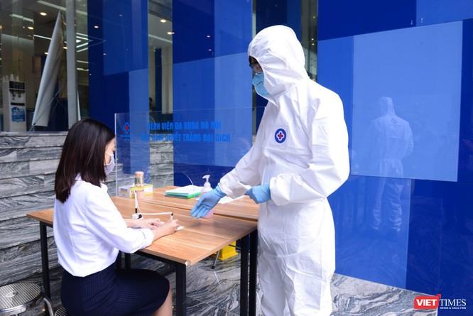 Bệnh viện Đa khoa Hà Nội lập chốt kiểm dịch quyết tâm ngăn chặn COVID-19 ảnh 2