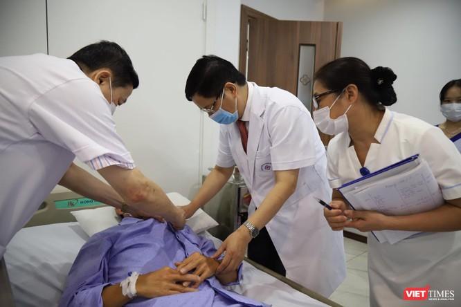 Bệnh viện Đa khoa Hà Nội lập chốt kiểm dịch quyết tâm ngăn chặn COVID-19 ảnh 3