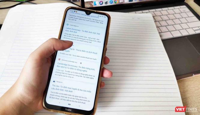 GS. TS. Phạm Tất Dong nói gì trước quy định cho phép học sinh dùng điện thoại trong lớp học? ảnh 2