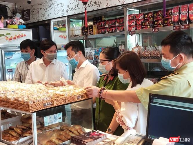 Đột xuất kiểm tra phát hiện xưởng sản xuất bánh trung thu Hương Trà nằm ngay cạnh rãnh nước thải ảnh 4