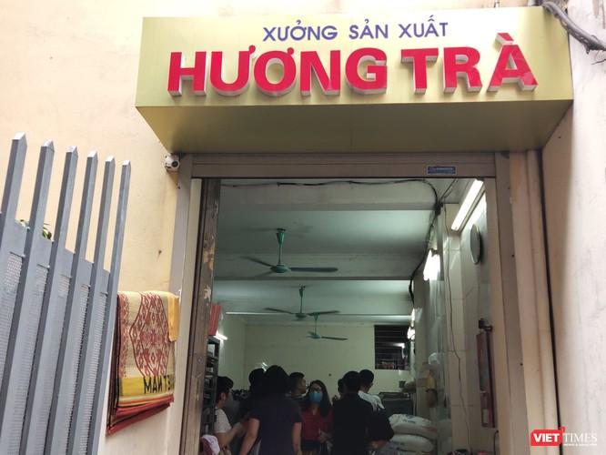 Đột xuất kiểm tra phát hiện xưởng sản xuất bánh trung thu Hương Trà nằm ngay cạnh rãnh nước thải ảnh 1