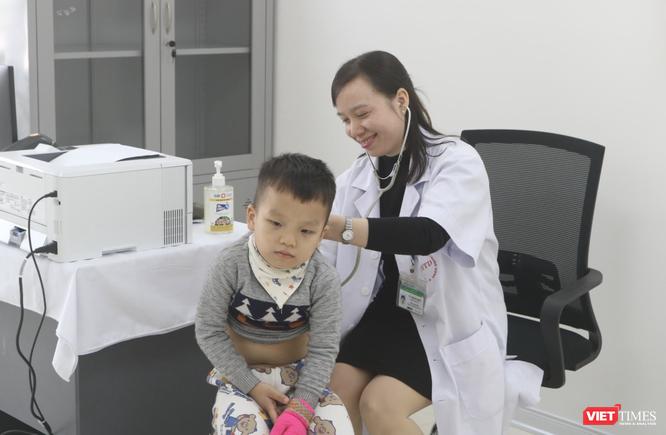 Bệnh viện tuyến đầu chữa COVID-19 sẽ tư vấn phòng dịch cho người đi nước ngoài ảnh 5