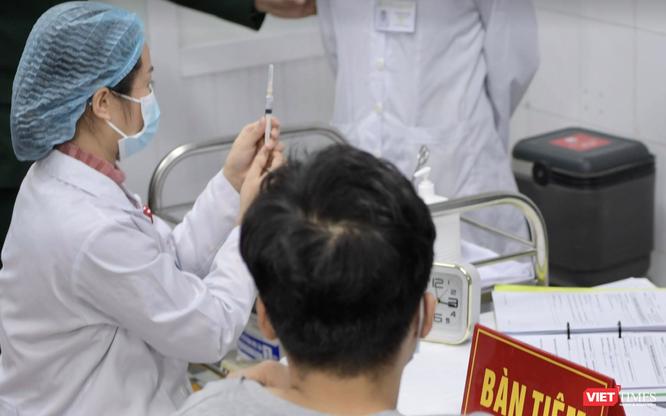 Bộ trưởng Bộ Y tế: Liều vaccine phòng COVID-19 đầu tiên sẽ được tiêm vào ngày 8/3 ảnh 1