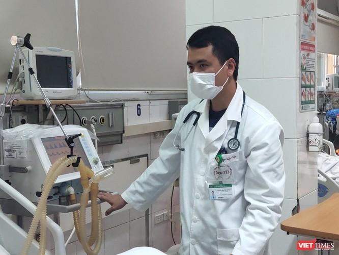 """Bác sĩ tiết lộ sự thật về quá trình khai báo y tế của BN17 từng bị """"ném đá"""" nhiều nhất ảnh 3"""