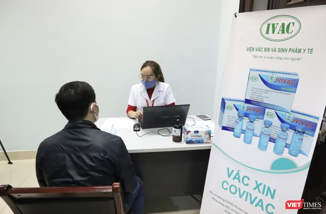 """Nam tiếp viên hàng không """"giấu"""" gia đình đăng ký tiêm thử nghiệm vaccine phòng COVID-19 ảnh 4"""
