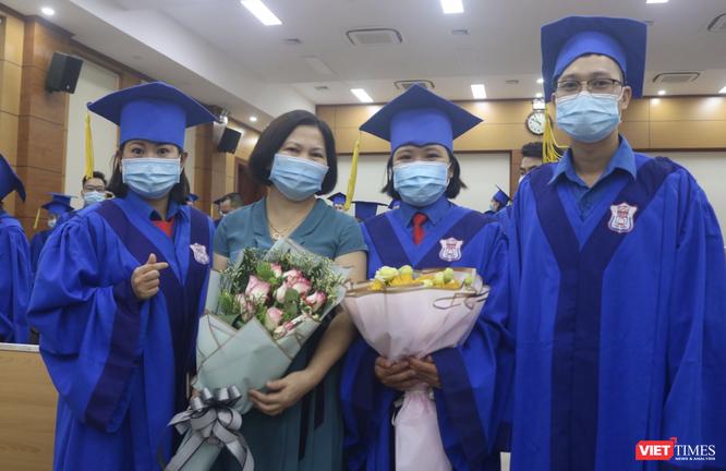 """106 bác sĩ trẻ được đào tạo """"1 thầy, 1 trò"""" trên cả chuẩn mực thế giới, tình nguyện về vùng khó khăn ảnh 5"""