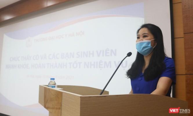 340 sinh viên Trường ĐH Y Hà Nội tình nguyện hỗ trợ Hà Nội xét nghiệm, tiêm vaccine COVID-19 ảnh 2