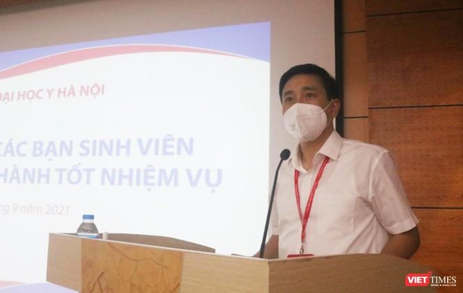 340 sinh viên Trường ĐH Y Hà Nội tình nguyện hỗ trợ Hà Nội xét nghiệm, tiêm vaccine COVID-19 ảnh 1