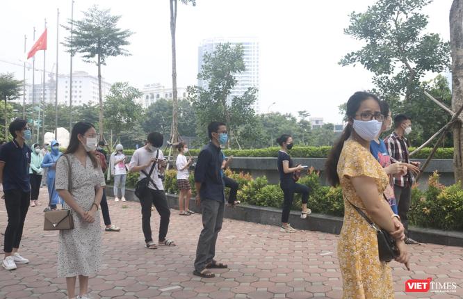 Hạn chót ngày 15/9, Hà Nội tiêm vaccine phòng COVID-19 cho người dân như thế nào? ảnh 2