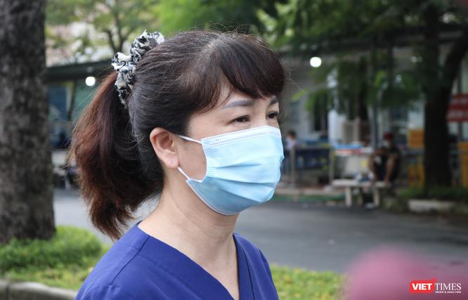 Vì sao tiêm 2 mũi vaccine, bệnh nhân và người nhà ở BV Việt Đức đến BV khác phải cách ly 21 ngày? ảnh 5